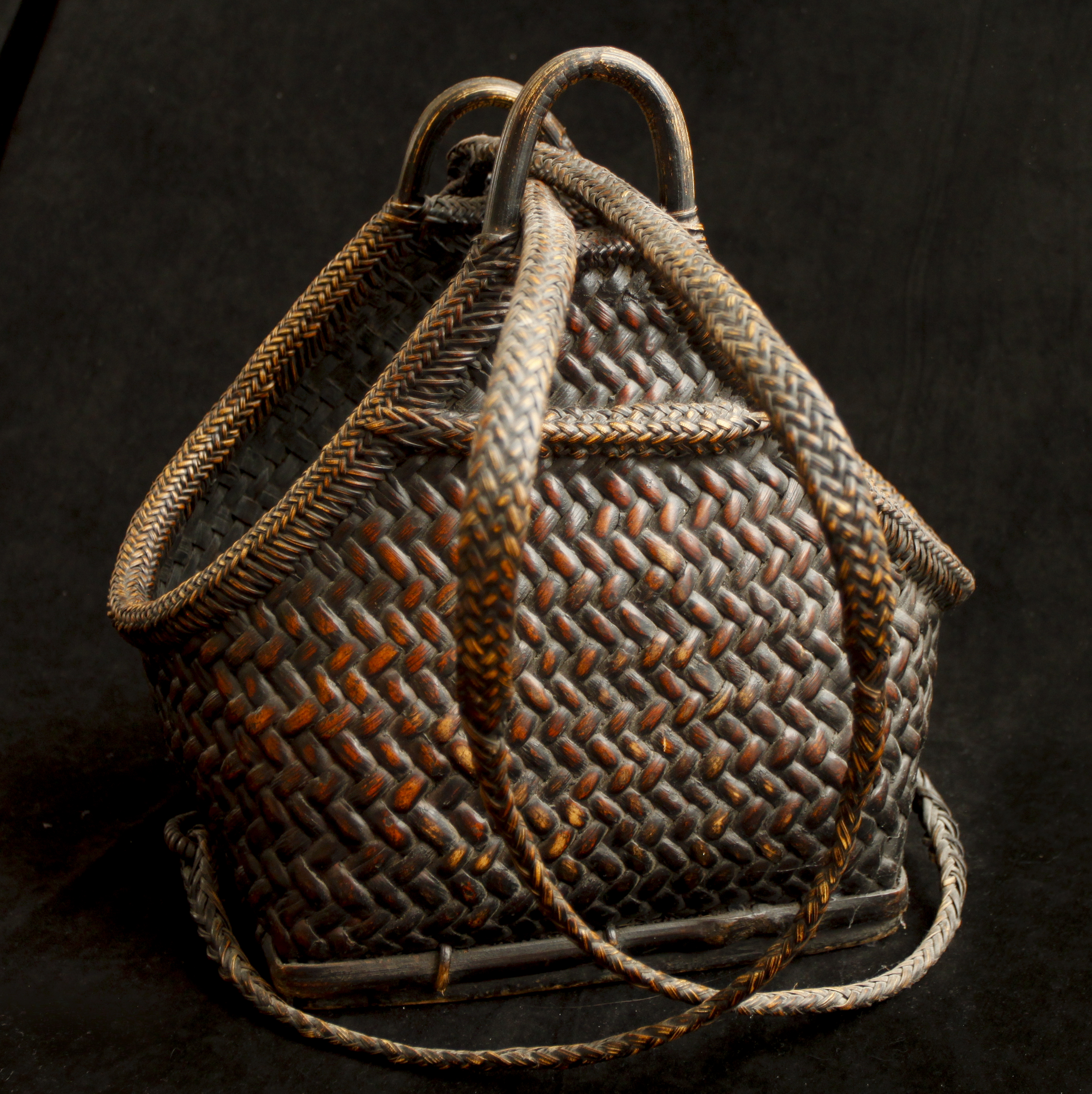 how to draw a woven basket